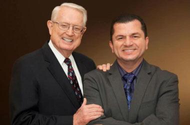 Swindoll y Zazueta - Liderazgo- ZonaVertical