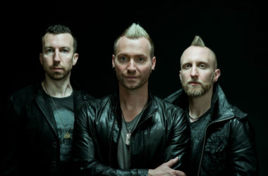 Thousand Foot Krutch Push Dinamita - Zona Vertical