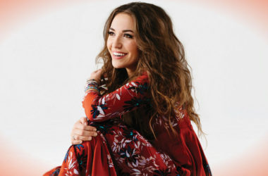Lauren Daigle - Billboard - ZonaVertical