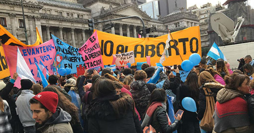 No al Aborto - Argentina - ZonaVertical.com
